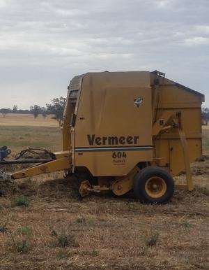 Vermeer 604L Round Baler