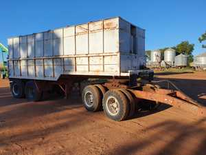 Under Auction (A125) - 22ft Trailer and Dolly