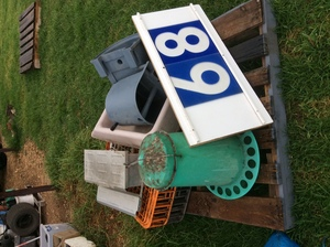 Under Auction - Under Auction (A129) - Feeders and Cage - 2% + GST Buyers Premium On All Lots