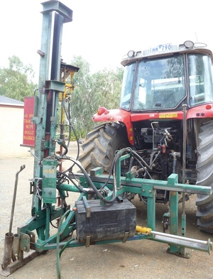 MUNRO POST DRIVER (SIDE SHIFT) PLUS 2 X AUGERS 3.5