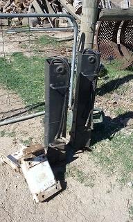 Bobcat Hydraulic Stabilizer Legs