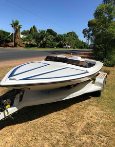 Under Auction - (A140) - Skiline Ski Boat - 2% + GST Buyers Premium On All Lots