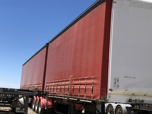 2005 Freighter 34 Pallet Tautliner Combination