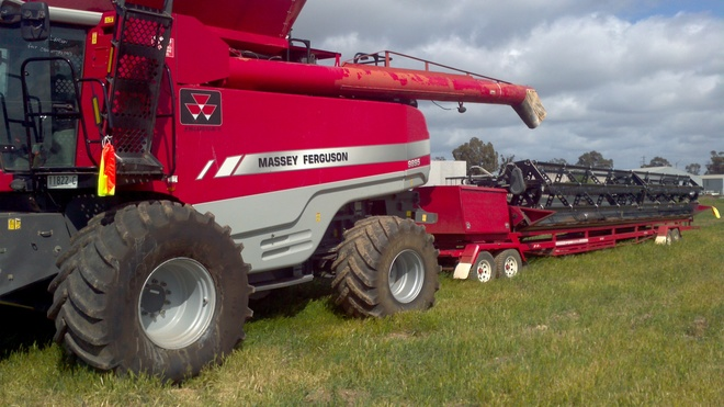 MF9895 Header and 45'Mid west  front