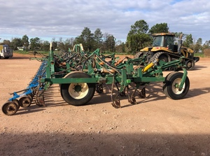 2006 Smale Multi-Vator Seeder Bar only