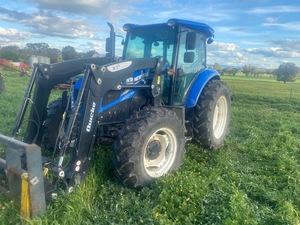 2018 New Holland TD5.95 Tractor FEL