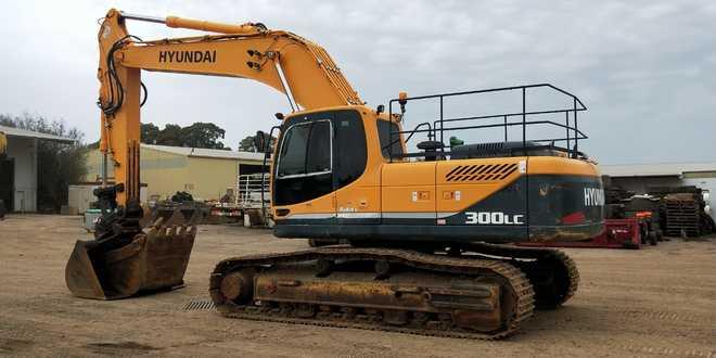 2012 Hyundai R300LC Excavator