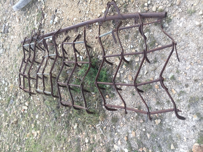 Cover Harrows, four leaf with bar.  Offers
