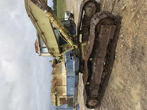 Komatsu PC220-3 Excavator