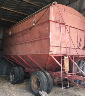 Mother Bin 25 M/T With Roll Over Tarp.