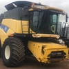 2006 New Holland CR960 with 39ft MacDon 2052 Draper Front