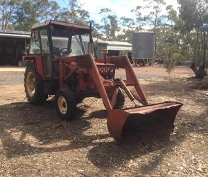 Zetor Model 5011 Tractor with FEL