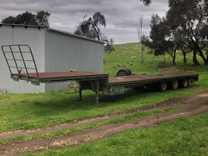 Southern Cross 48' Drop Deck Trailer