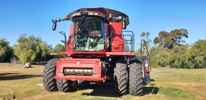 CASE IH 8240 Axial Flow Combine Harvester