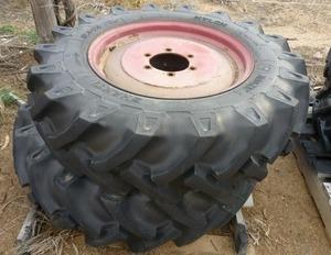 2 x 12'4 x 24 rims & tyres