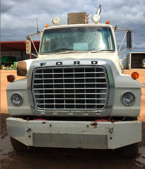 FORD Louisville 9000 Prime Mover For Sale with 903 Cummins