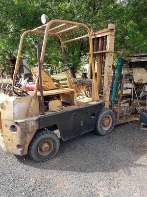 Komatsu FG25 Forklift (Motor Seized)