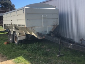 Belly Dump Pig Grain Trailer