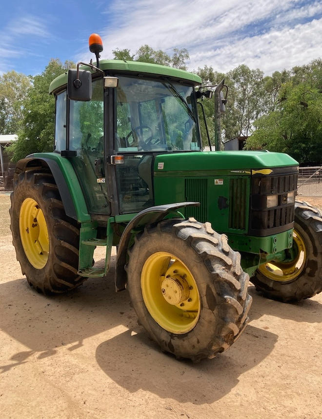 John Deere 6210 4WD Tractor