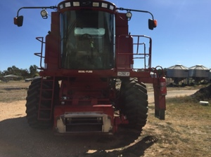 Case IH 2366 Header with 1010 25ft Front & Trailer