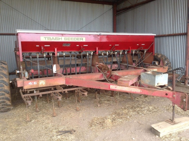 (A140) - Napier 418 Trash Seeder