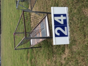 Under Auction - (A129) - 6 Ft x 2 Ft Feeder - 2% + GST Buyers Premium On All Lots