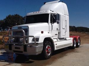 Freightliner FL114 Prime Mover