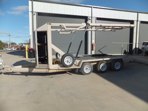 2014 SJA ENGINEERING TRI AXLE  CAR & BOAT CARRYING TRAILER DESIGNED FOR A MOTORHOME