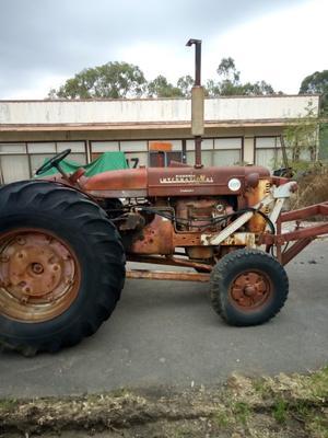 AW7 diesel  International Tractor