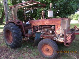 Chamberlain C670 1961 Tractor in running order