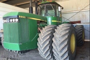 Wanted John Deere 8850, Must have 3 point linkage.