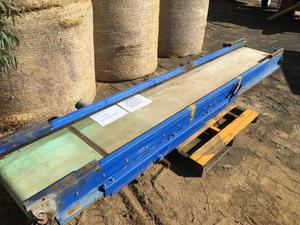 Conveyor With Hydraulic Side Extension  3.9m long x 600 wide