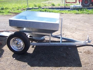 GALVANIZED LEED FEED TRAILER
