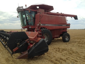 Case IH 2188 Header with 30ft Front with Trailer