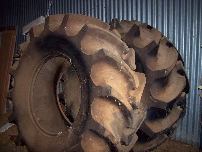 Firestone 24.5 x 32 Tyres