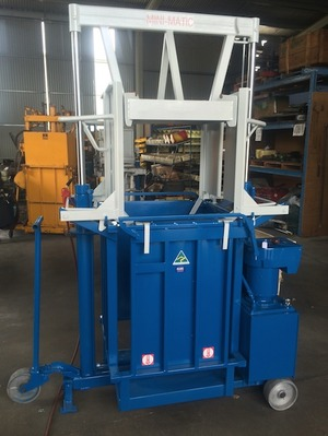 1 x Lyco Stevlyon Minimatic Woolpress For Sale