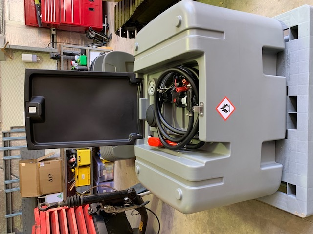 Under Auction - New 400L Portable Polyethelyne 12 v DC Diesel Fuel Storage and Transfer Tank - 2% + GST Buyers Premium On All Lots