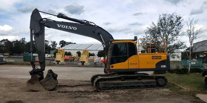 2012 Volvo EC210CL Excavator