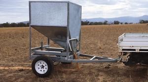 TUNBIN Mobile Hopper Feed/Grain Bin