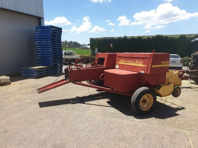 New Holland 568 Small Square Baler