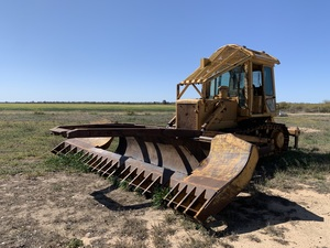Dresser (International) TD 15 C Dozer with Stick Rake and Rippers