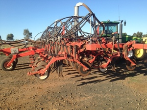 2011 Springs Ridge Engineering 12m Ground Hound Seeder Bar