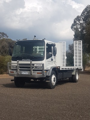 Isuzu 950 FVD long beavertail truck