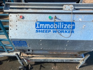 Peak Hill Immobilizer Sheep Worker