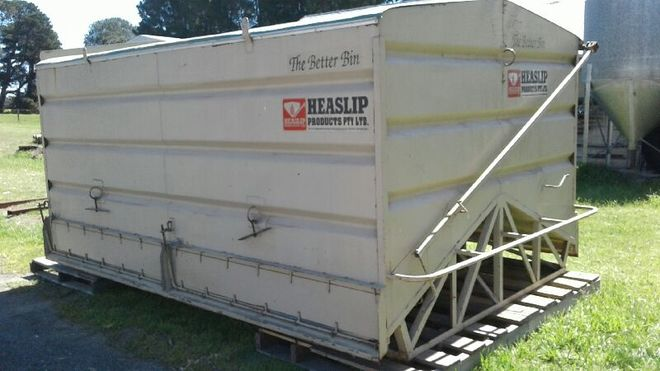 Heaslip 100 bag bulk bin, with 4 individual compartments.