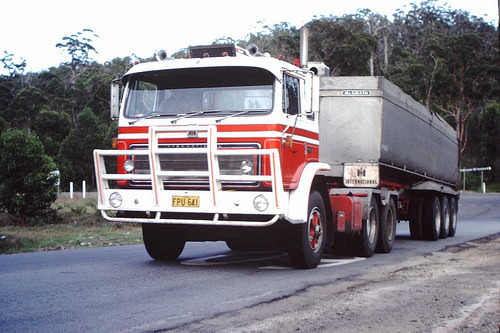 Wanted International Acco 3070/B Eagle Prime Mover