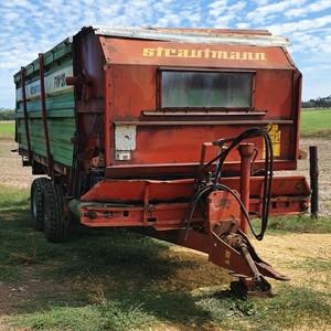 Strautmann FW 120 feed out wagon