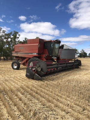 Case IH 1680 Header with 2 Fronts