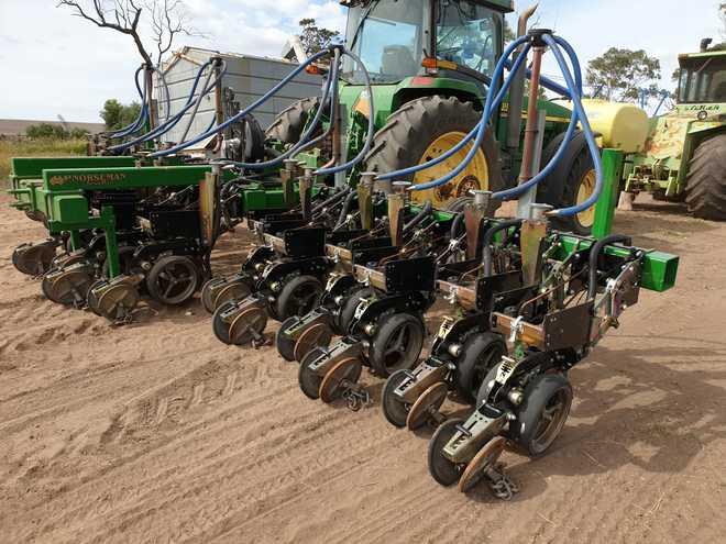 Norseman Techni Plant Precision Planter - 2% + GST Buyers Premium on all Lots