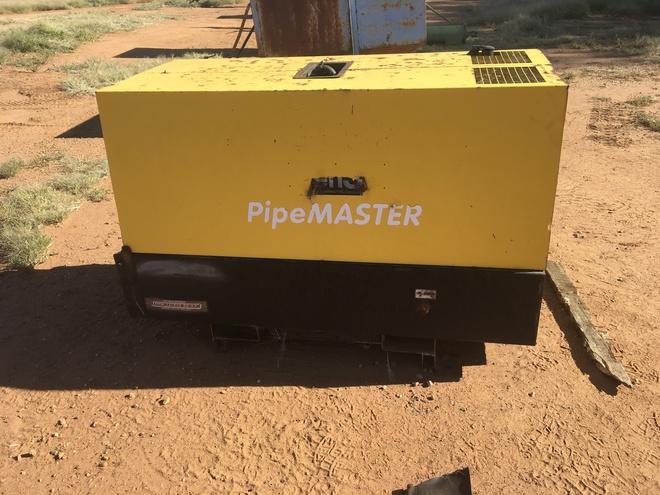 Under Auction - Under Auction (A132) - 2000 Pipemaster by Genset Generator/ Welder - 2% + GST Buyers Premium On All Lots